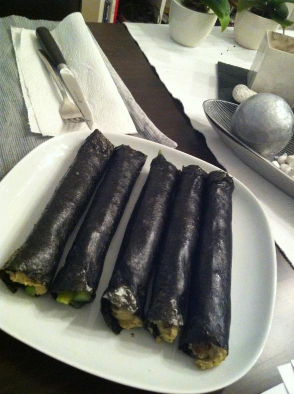 Noriwraps with Tuna-Avocado-Mousse, Salmon Tartar&Asparagus