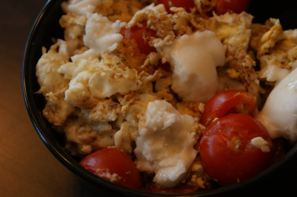 Scrambled eggwhites, cherry tomatoes, coconut butter