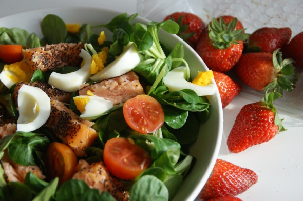 Saladgreens, Smoked Salmonfilet, Egg, Baby Tomatoes