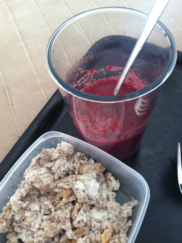 Scrambled cinnamon eggwhites, Smoothie (Beet, Cucumber, Raspberries, Ginger, Coconut Water, Flaxseed, Stevia)