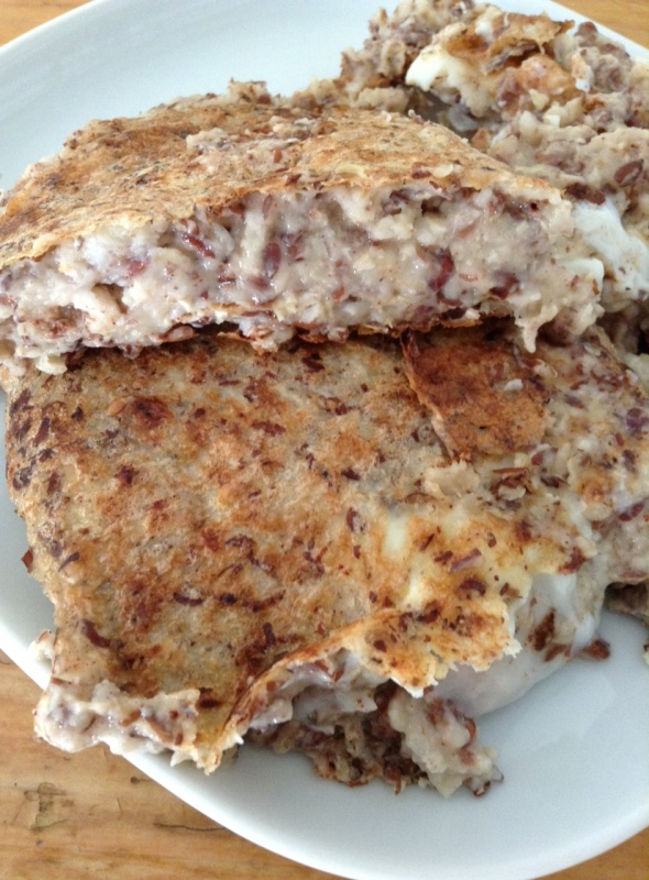 Flaxseed-Oatmeal-Omelette, sweetened up with vanilla and cinnamon. Favorite.