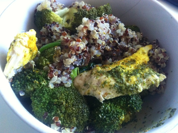 Baked curried chicken, tricolor quinoa, spinach&broccoli