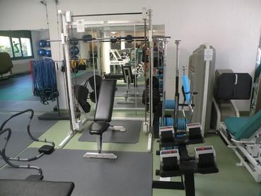 hantelbereich-cosbe-fitness-itingen