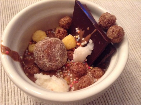 Almond Butter, Coconut Butter, glutenfree cereal, figball, 80% cacao dark, sprinkles