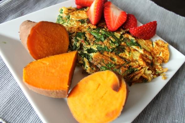 Egg/Eggwhite Omelette, Sweet Potato, Strawberries