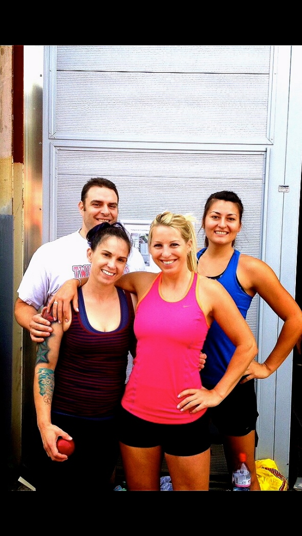 Teamwork at Crossfit. Everyone is strong.