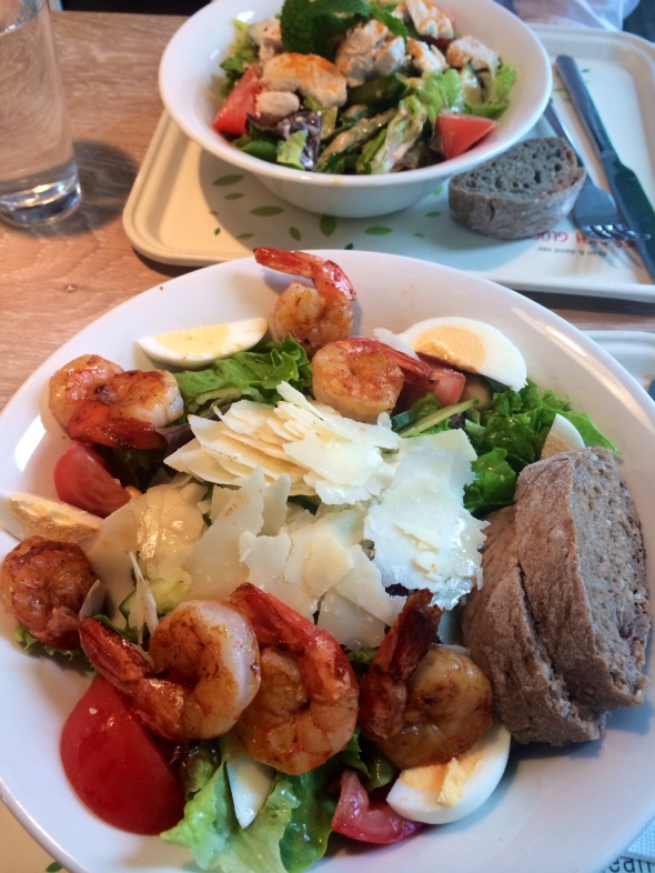 Lunch Date at Dean&David: Salad Bowl with egg, Parmigiano and Shrimp