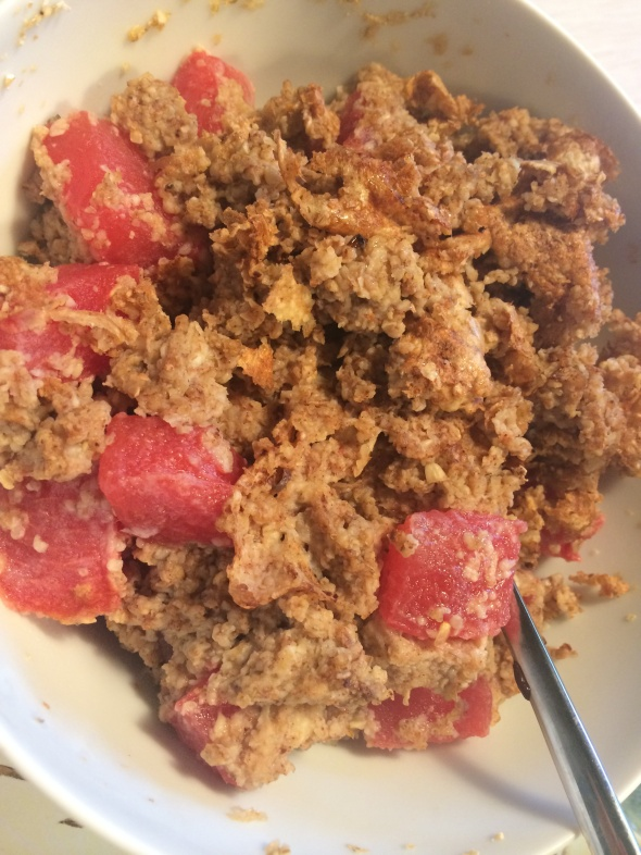 Eggs, Eggwhites cooked with oatbran, vanilla, cinnamon and watermelon.